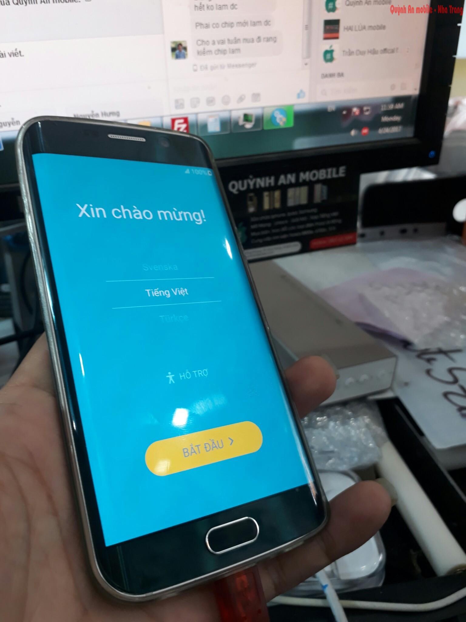 Máy Samsung galaxy S6 edge SC-04G xách tay về đang được nạp tiếng Việt bằng phần mềm chuyên dụng tại Quỳnh An Mobile 0907623999