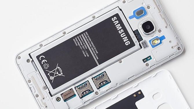 Thay pin samsung J5 2016 chính hãng