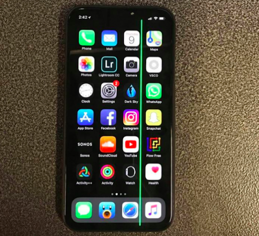 Sửa iphone Xs max bị liệt ,đơ,loạn cảm ứng trên main tại Nha Trang 1